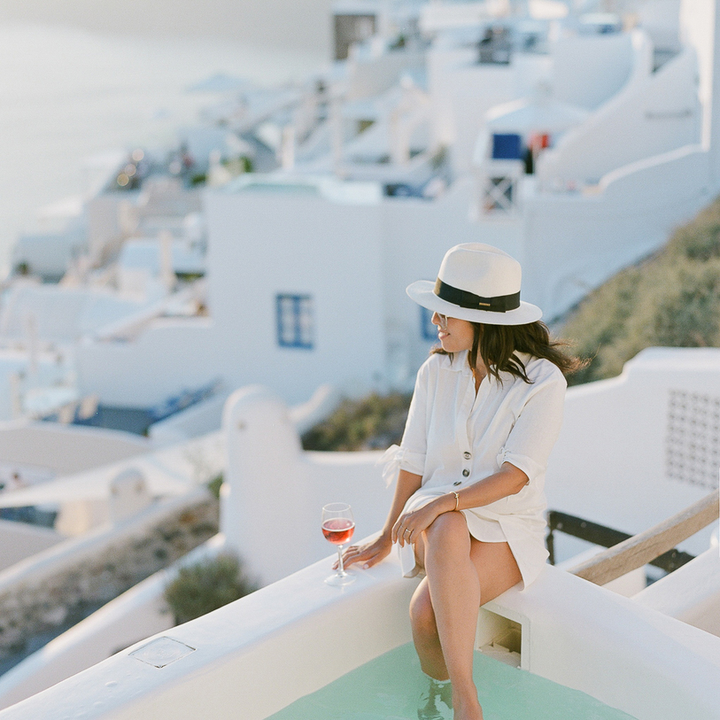 A portrait session in Santorini